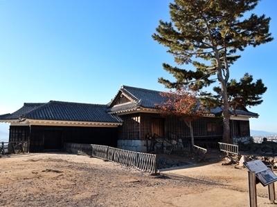 6.隠門続櫓(重文).JPG