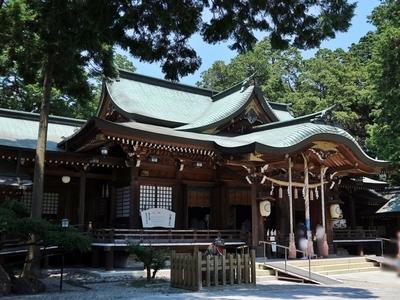 IMG_6136 拝殿.JPG